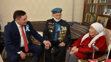 Photo of Ермек Маржикпаев поздравил ветеранов ВОВ
