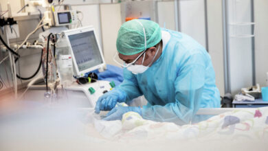 Photo of Врачи из РФ делятся с казахстанскими коллегами опытом лечения тяжелых осложнений COVID-19