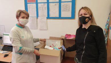 Photo of Волонтёры Щучинска развозят лекарства по  «адресам тревоги»