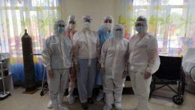 Photo of Всё время хочется снять маску и вдохнуть полной грудью»: волонтёры побывали в «красной зоне»
