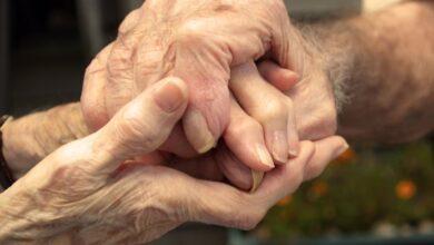 Photo of Пожилых супругов нашли мертвыми в Астраханском районе