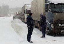 Photo of 150 фур застряли на дороге из-за бурана в Акмолинской области