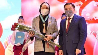 Photo of Многодетных матерей поздравил с 8 марта аким области