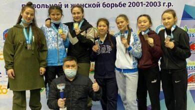 Photo of Акмолинки выиграли молодежные спортивные игры по борьбе