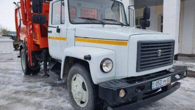 Photo of Машину для сбора и вывоза мусора подарили поселку Жолымбет