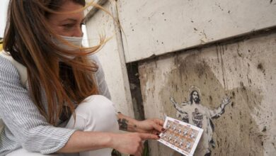 Photo of Уличная художница подала в суд на Ватикан