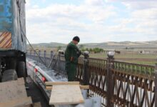 Photo of Мост через речку Чаглинка в селе Заречное скоро достроят