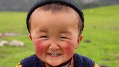 """Photo of """"Мальчик-солнышко"""" из Кыргызстана покорил Сеть своей улыбкой"""