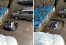 Photo of Авто за несколько секунд затянуло под землю в Индии