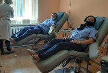 Photo of Кровь, для спасения жизни молодой мамы, сдали сотрудники акмолинской колонии