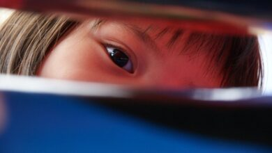 Photo of Школьники получили ожог глаз от кварцевой лампы во время уроков в Усть-Каменогорске