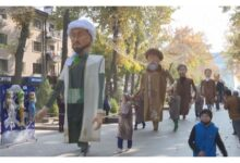 Photo of Гигантские куклы прошлись по улицам Шымкента